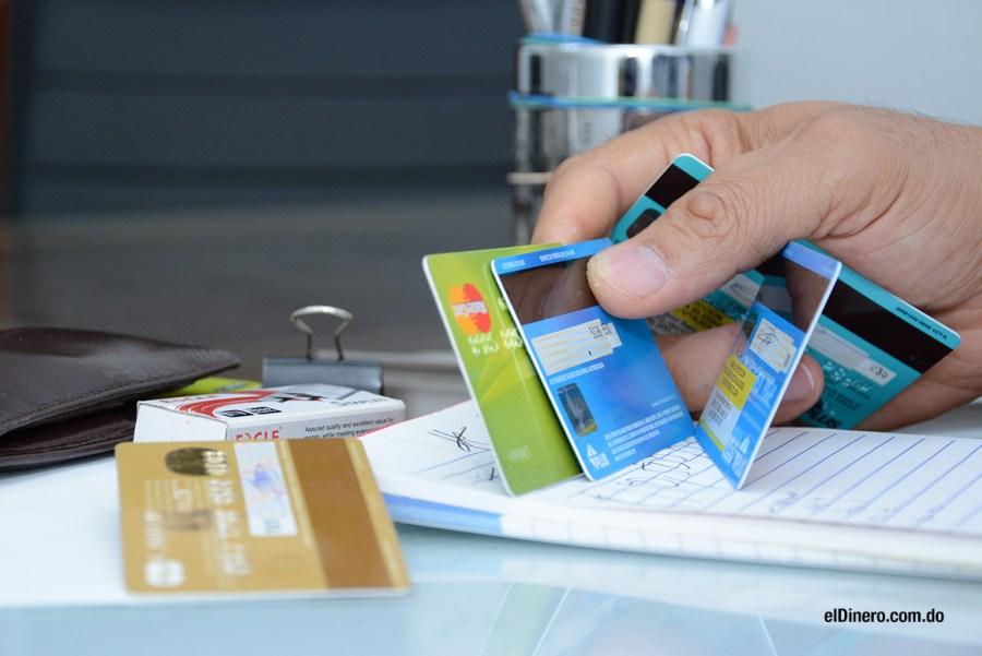 A diciembre de 2017 la deuda con tarjetas de crédito aumentó en RD$4,114.20 millones
