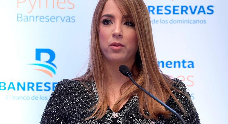 """Ejecutivas presentan """"Fomenta Pymes"""" de Banreservas"""