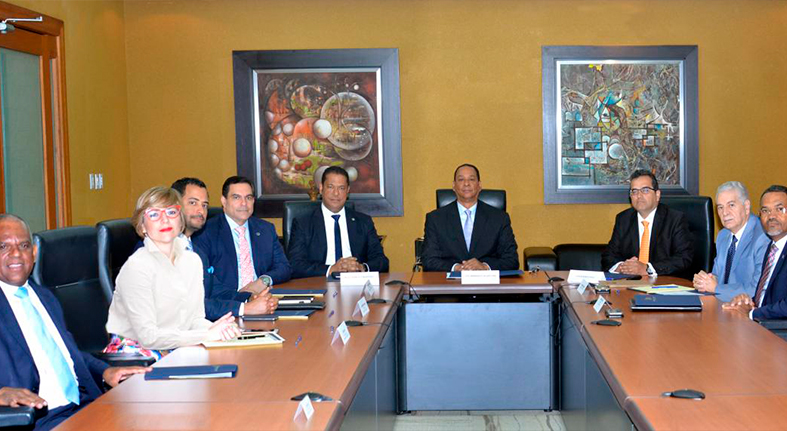 Superintendente de Bancos encabeza reunión con CAPTAC-RD para fortalecer la supervisión consolidada