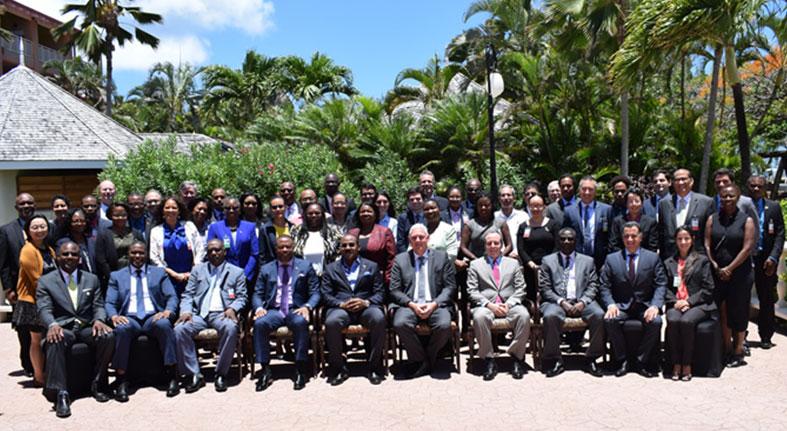Mesa Redonda Desarrollo Caribe congrega ministros discutir crecimiento económico y resiliencia clima