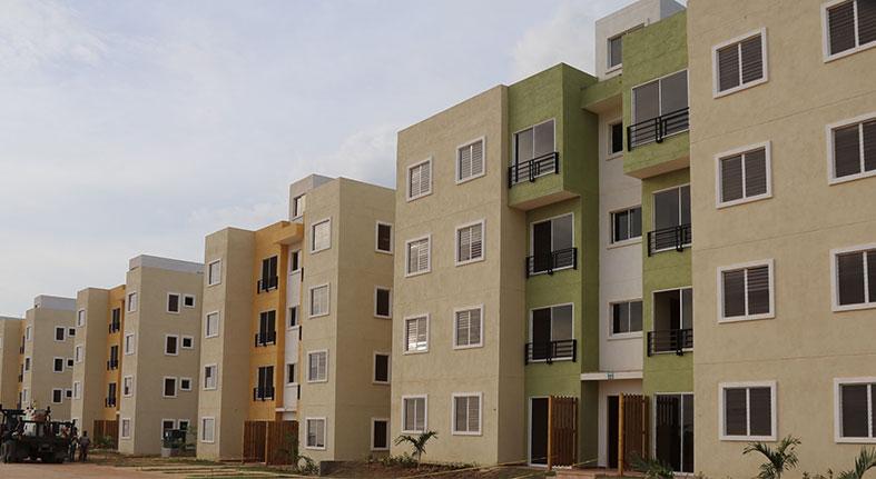 Comisión explica planes viviendas Ciudad Juan Bosch para diáspora