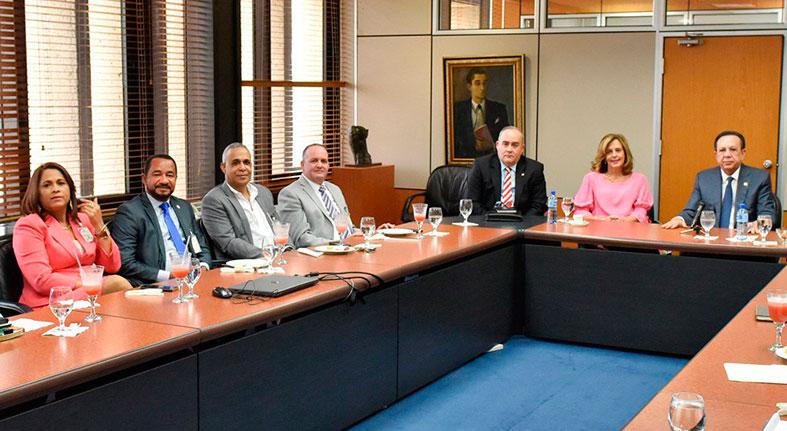 Banco Central y Airac arriban a consenso en el proceso de regulación de las cooperativas de ahorro y crédito