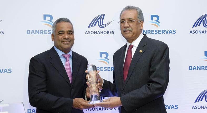 Banreservas y ASONAHORES firman acuerdo para impulsar el desarrollo del turismo