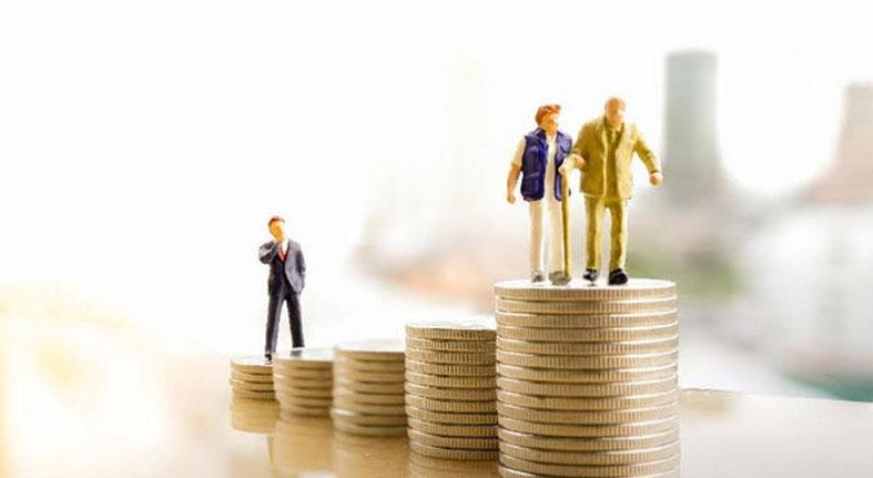 Fondos de pensiones bajan su inversión en los bancos