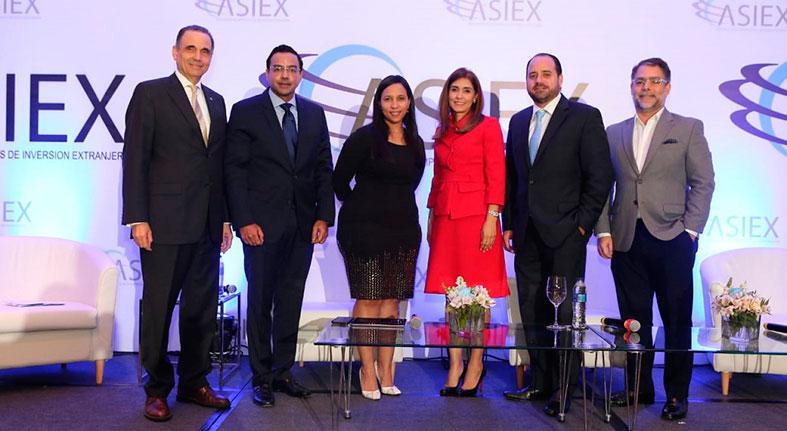 Evalúan inversión extranjera motor economía Dominicana