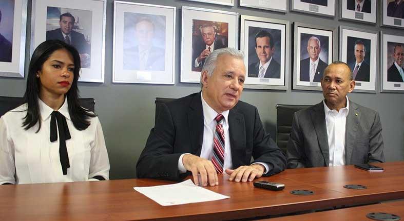 Industriales Herrera declaran crítica la escasez de dólares