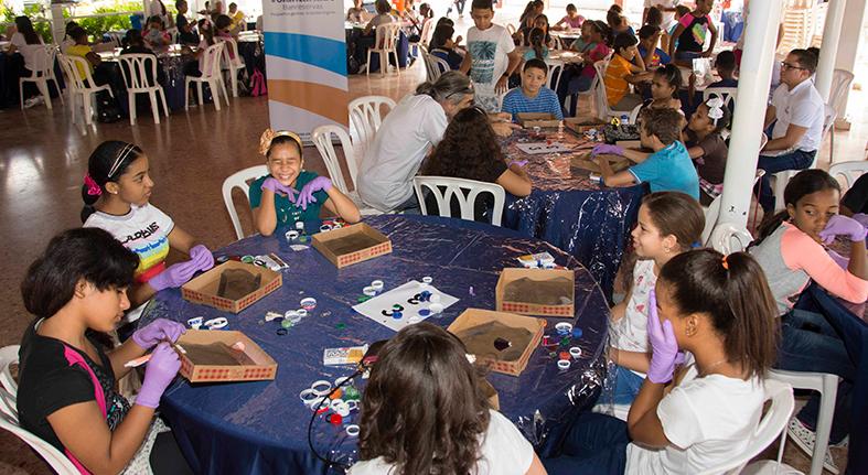Concluyen talleres pintura y reciclaje más 500 hijos empleados Banreservas