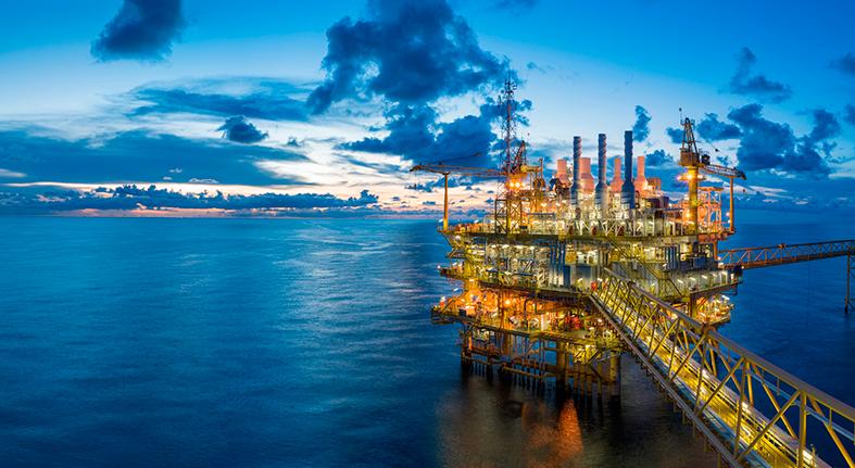 El petróleo de Texas sube un 2.53 % y cierra en US$69,25