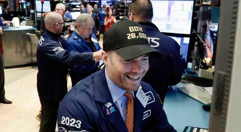 Wall Street cierra en verde y el Dow Jones avanza un 2.17%