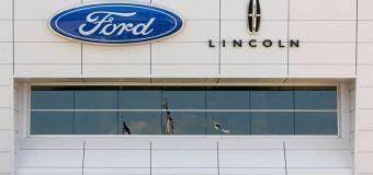 Ford llama a revisión 1.46 millones de vehículos por una válvula defectuosa