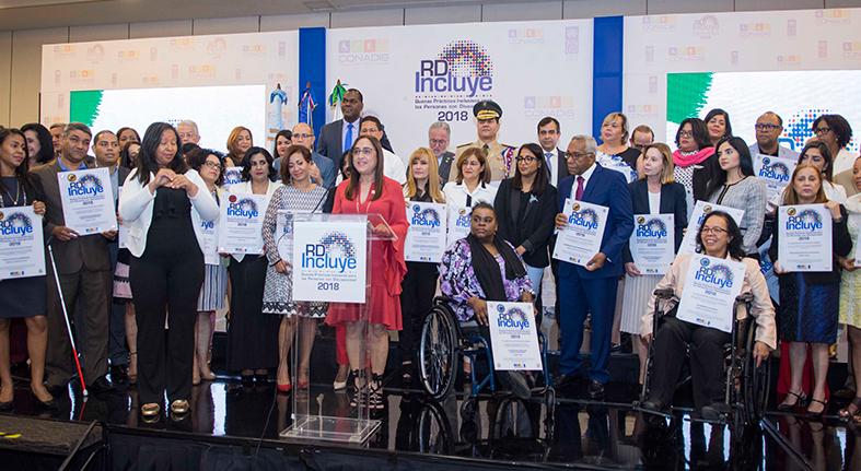 """Banreservas recibe 11 reconocimientos en la entrega del Sello de Buenas Prácticas """"RD Incluye 2018"""""""