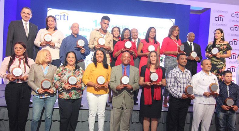 Entrega Citi gran Premio Microempresarial creadora helados artesanales