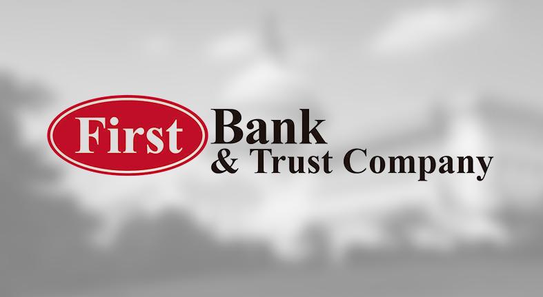 First Bank & Trust Company le da la bienvenida a Hecht a Blacksburg