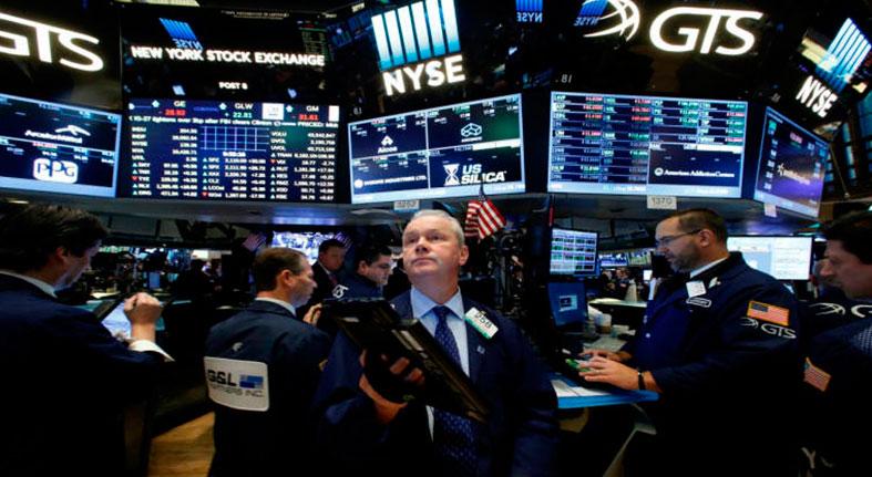 Las señales de ralentización en China arrastran a Wall Street