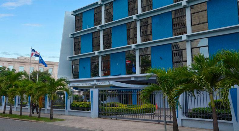 La cartera de créditos vencida contra la vigente en la banca múltiple dominicana