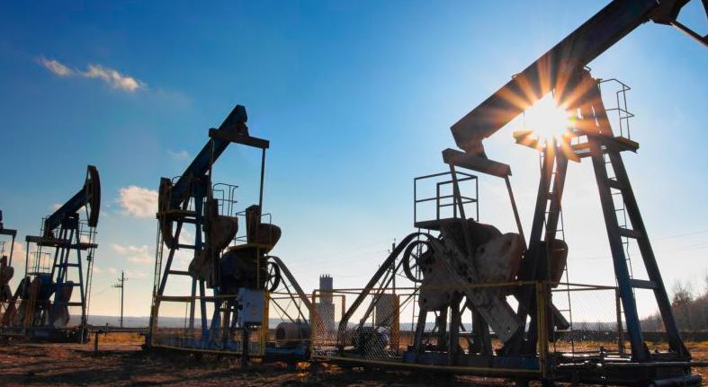 El petróleo de Texas baja un 0,19 % y cierra en 62,46 dólares el barril