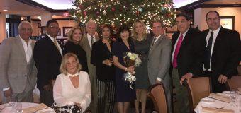 Embajadore EUA sostiene positivo encuentro grupo Dominicanos Florida