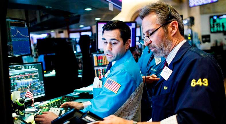 Reguladores financieros en EE.UU. abordan límites de los bonos en Wall Street