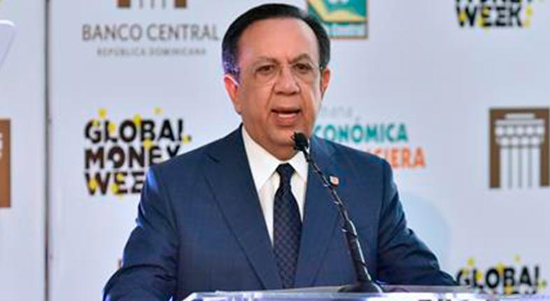Valdez Albizu anuncia el Aula Virtual y un App institucional para contribuir con el conocimiento económico y financiero