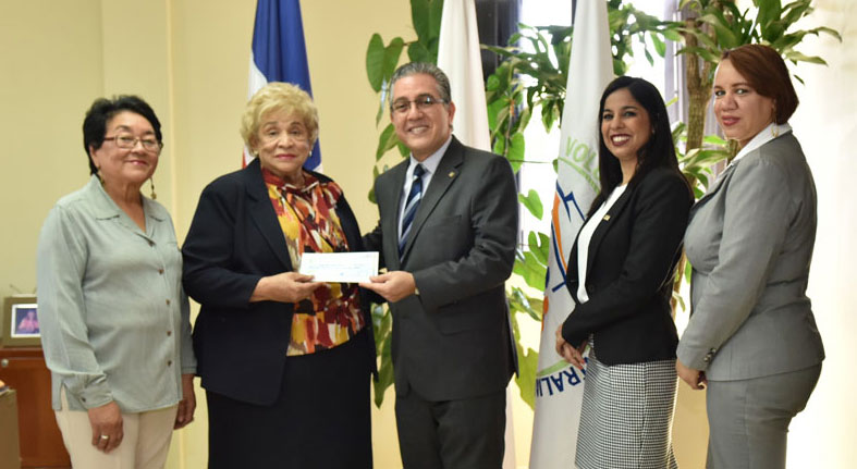 Voluntariado Bancentraliano dona RD$555,000 a la Cruz Roja dominicana