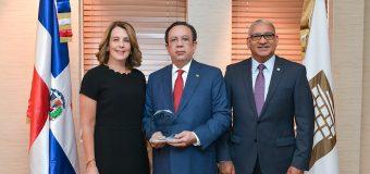 El BCRD es galardonado como el Banco Central con mejor gobernanza corporativa de Centroamérica y Caribe en 2018