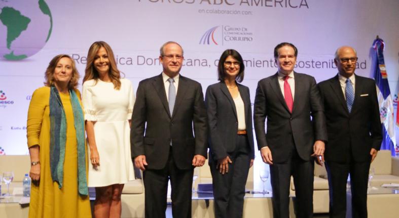 Participan altos ejecutivos Banesco en Foro ABC América