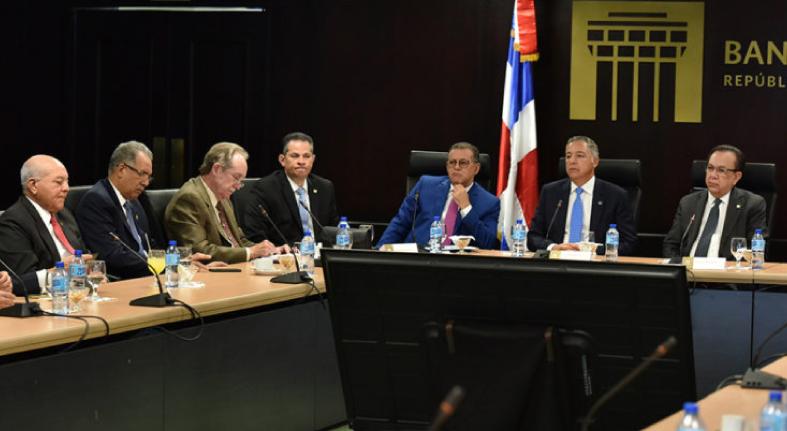 Banco Central examina nueva normativa de retención de impuestos