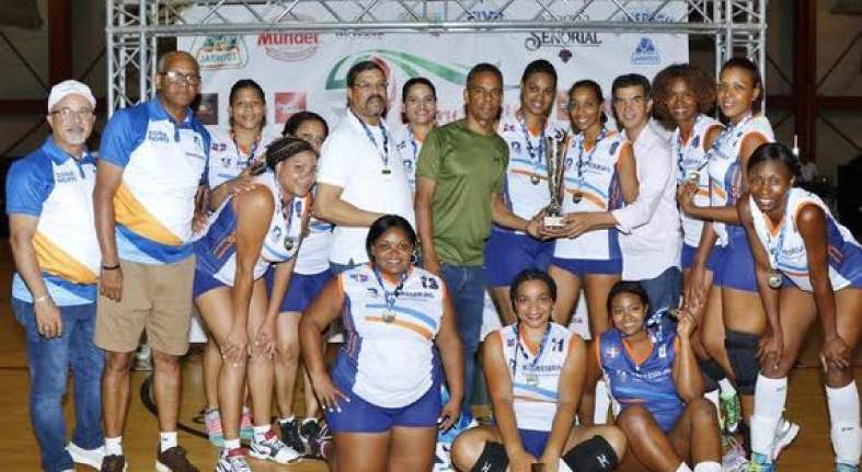 Equipo de voleibol femenino Banreservas gana invicto en IX Torneo Internacional Bameso USA