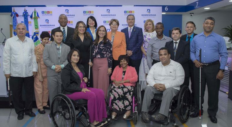 Banreservas y CONADIS firman acuerdo para facilitar transacciones a personas con discapacidad