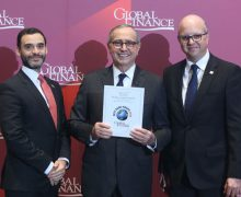 Recibe Banreservas premio Mejor Banco del Año RD