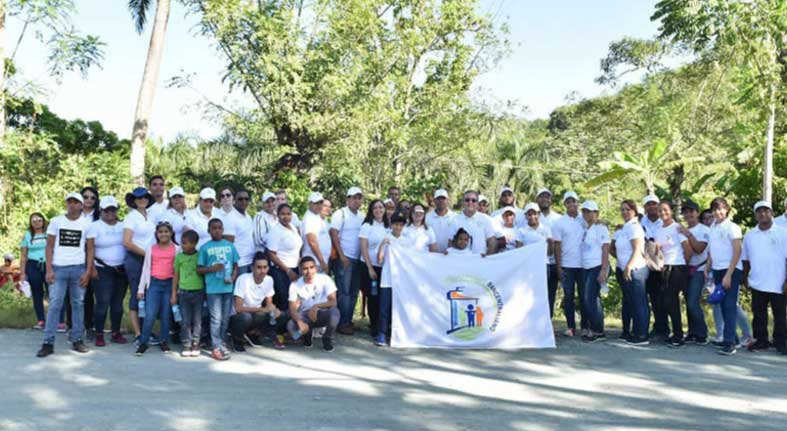 Voluntariado Bancentraliano siembra 2,500 árboles en la cuenca alta del río Ozama