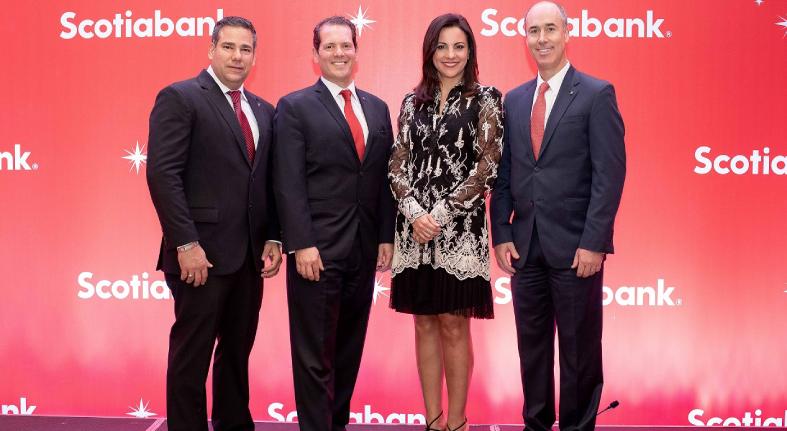 Agasaja Scotiabank clientes con motivo Navidad