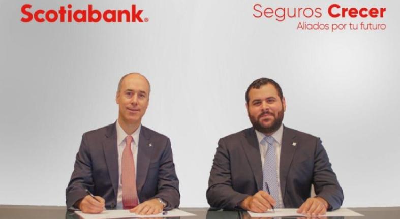 Scotiabank firma alianza con Seguros Crecer