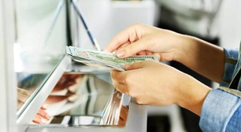 BCRD asegura hay suficientes dólares, pese a limitación en ventas en el mercado