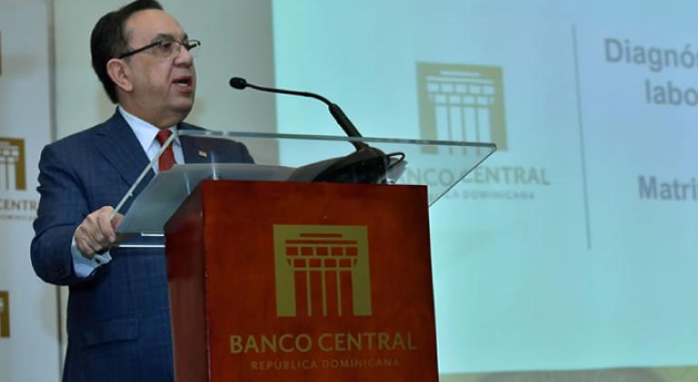 Banco Central pone en circulación estudios analíticos sobre el mercado laboral dominicano y el aparato productivo de RD