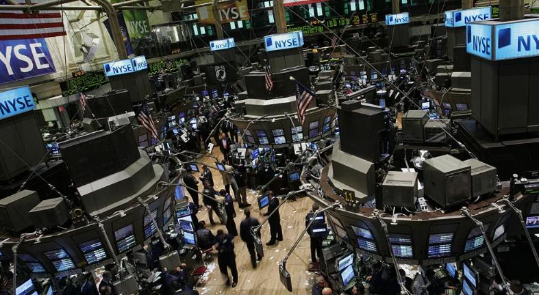 Wall Street cierra en verde y se apunta dos récords con el impulso de Amazon