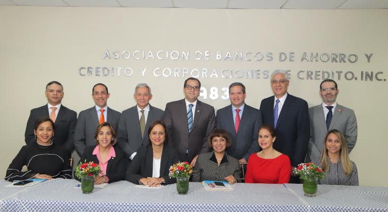De Castro reelecta presidir nueva directiva ABANCORD