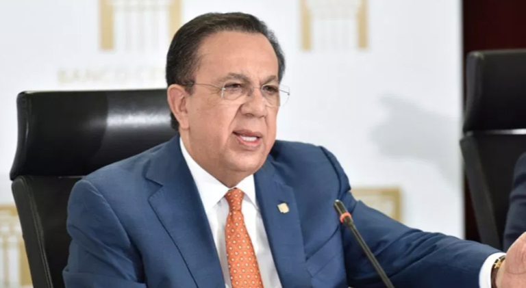 Gobernador BCRD exhibe crecimiento a inversionistas