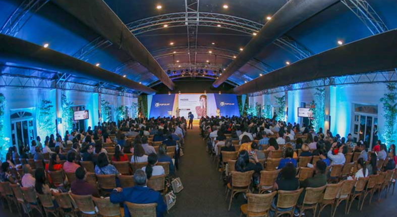 Popular ofrece conferencia educación financiera más 500 clientes