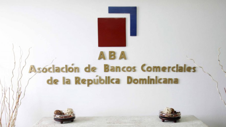 Aumentan depósitos bancos múltiples RD$180 mil millones primeros diez meses 2020