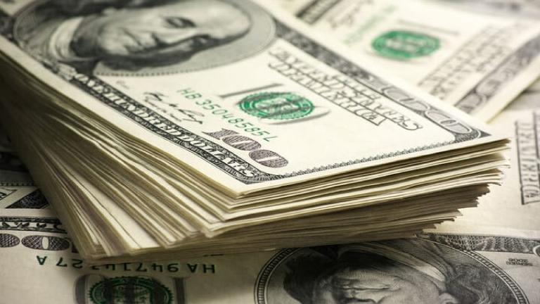 Ahorro en dólares crece desde enero en banca privada