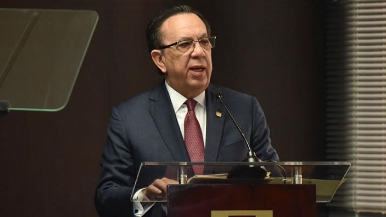Gobernador Valdez Albizu anuncia las medidas monetarias, financieras y cambiarias, adoptadas ante el impacto del COVID-19 en la economía dominicana