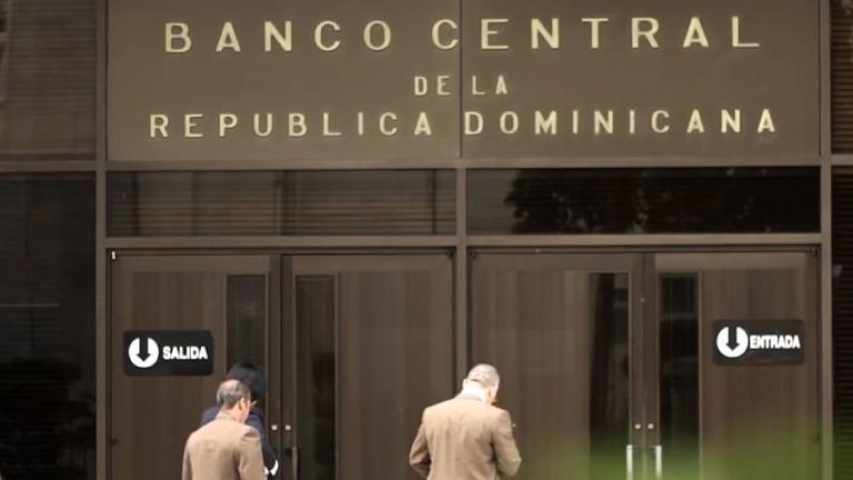 Banco Central realiza donaciones al Centro de Operaciones de Emergencia y al Hospital General Plaza de la Salud