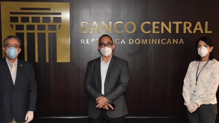 Voluntariado Bancentraliano dona fondos para el Hospital Regional San Vicente de Paul, de San Francisco de Macorís