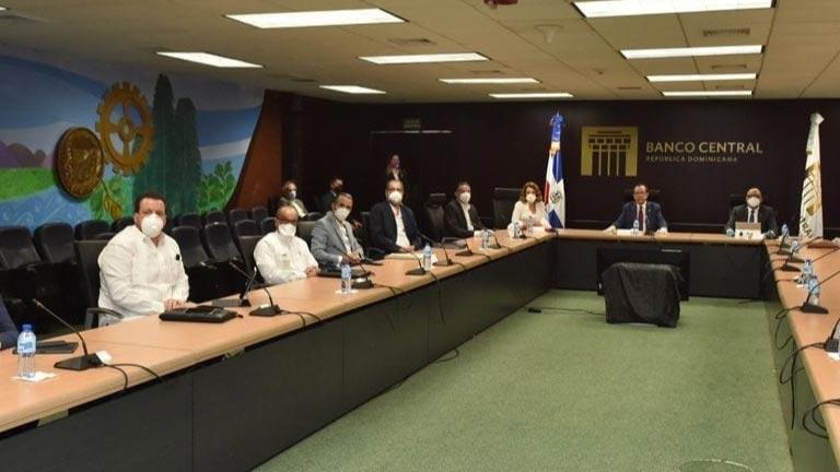 Banco Central recibe a rectores para evaluar impacto del covid-19 en la educación superior