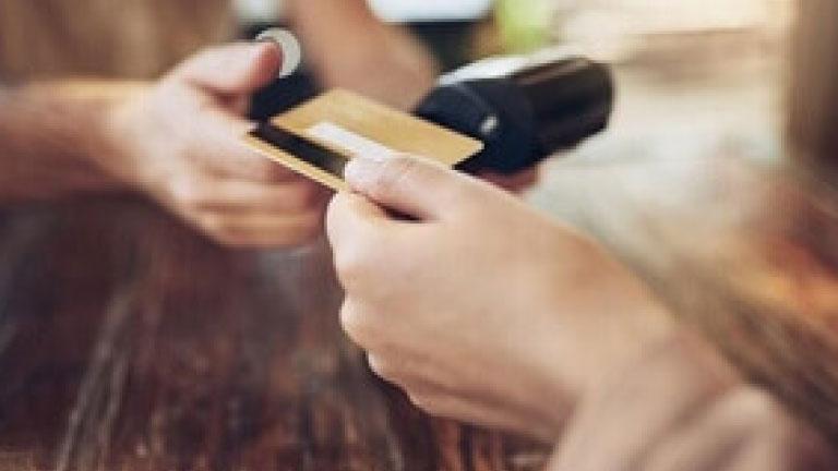 Bancos de RD donarán a Cruz Roja el 3% de transacciones realizadas con Mastercard