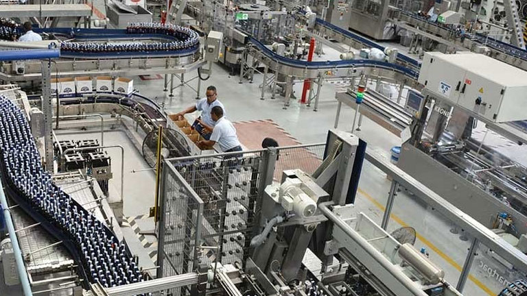 Índice de actividad manufacturera sigue a la baja abril