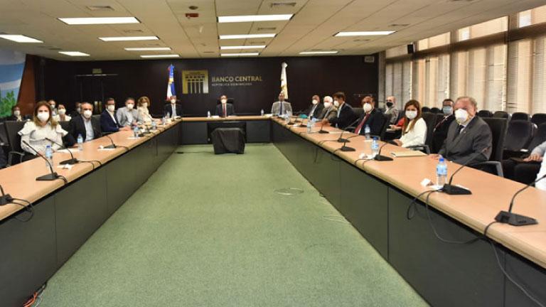 BCRD, MH y SIB rinden cuentas sobre las medidas adoptadas ante el COVID-19 con los representantes de los sectores productivos de RD