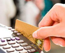 Uso de tarjetas de crédito y pagos sin contacto suben tras Covid-19