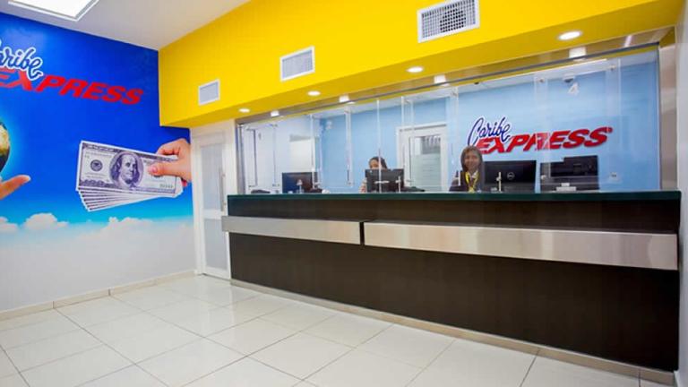 Afirma Caribe Express normaliza entrega remesas dólares